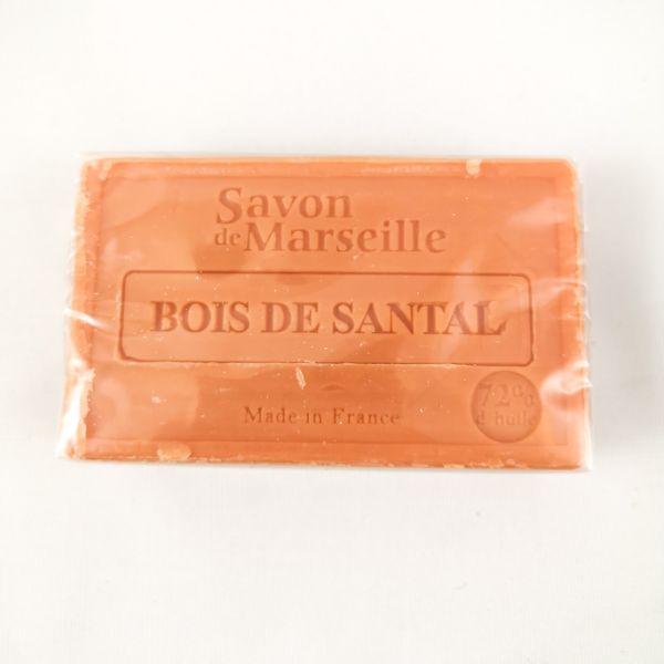 jabón artesanal de sándalo